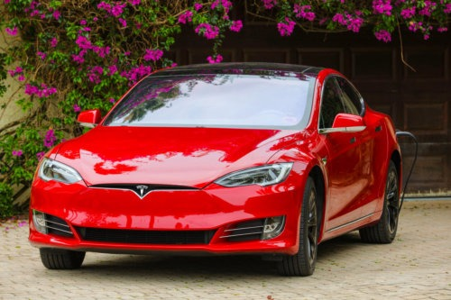 tesla model s - electric car